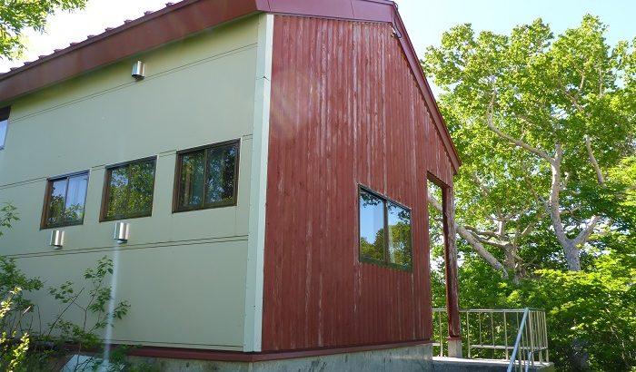 銀明水避難小屋