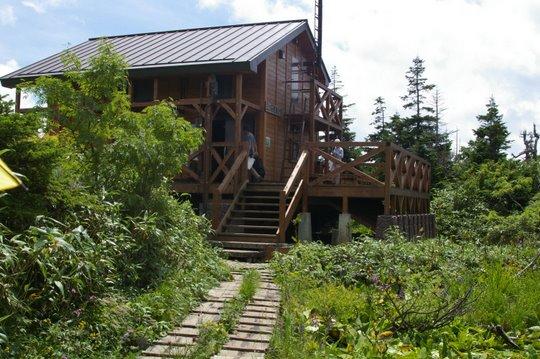 三ツ石山山荘