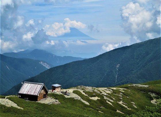 小河内岳避難小屋